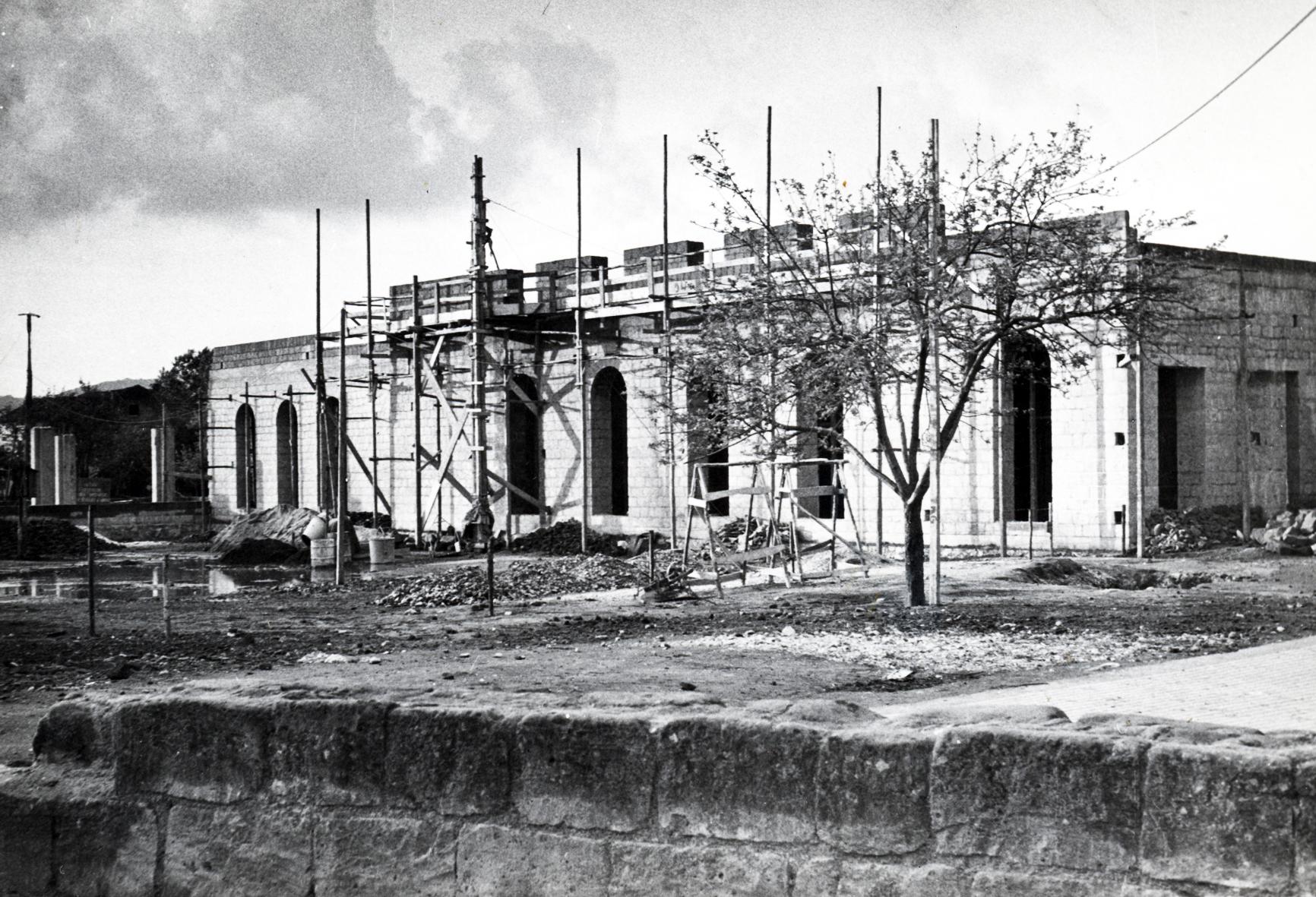 Teatro -lavori di costruzione del complesso parrocchiale