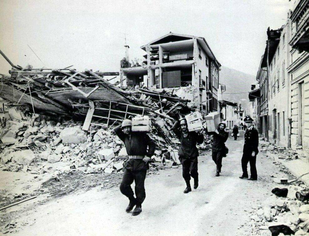 5602795_0921_terremoto_irpinia_mattarella_40_anni